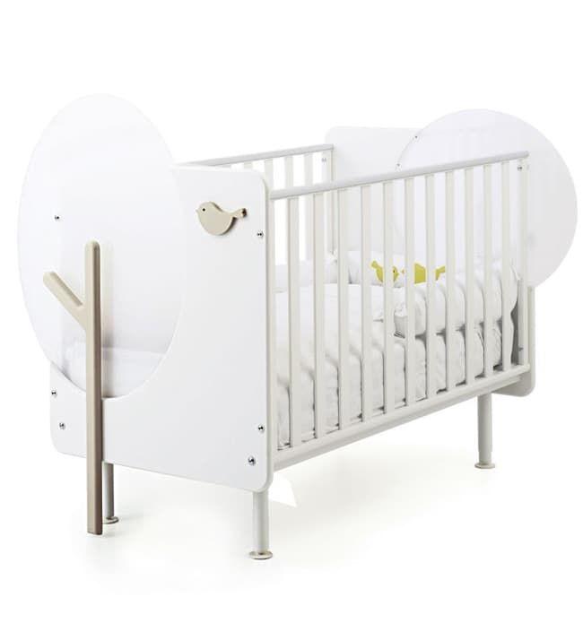 Детская кровать Baby Expert Bosco с реечными бортамиКровати<br>Детская кроватка Bosco с реечными бортиками белый/крем<br><br>Цвет: Белый/кремовая<br>Габариты ( В х Ш х Д ), см: 113x98x135