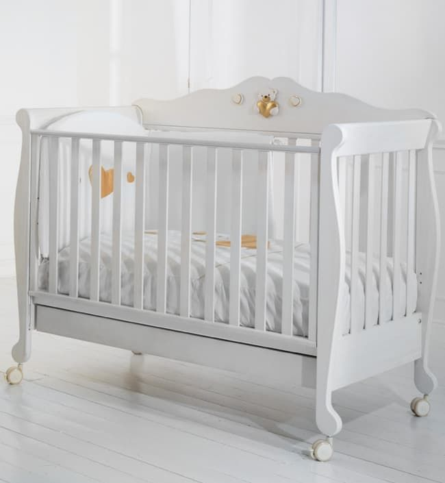 Кровать-трансформер Baby Expert GustavoКровати<br>Детская кровать Gustavo white<br><br>Цвет: Белый<br>Габариты ( В х Ш х Д ), см: 118 x 82 x 130