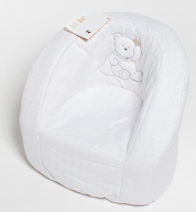 Мягкое детское кресло Italbaby PrincipiniКресла<br>Мягкое детское кресло Principini, белый<br><br>Цвет: Белый<br>Габариты ( В х Ш х Д ), см: 35 x 45 x 50