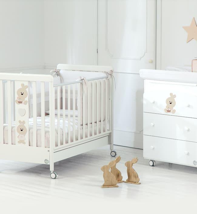 Комплект Baby Expert Trotto&amp;Lina: кровать+пеленальный комодАкционные комплекты мебели<br>Комплект Trotto&amp;Lina белый (крова, пелен. ком.)<br><br>Цвет: Белый<br>Габариты ( В х Ш х Д ), см: None