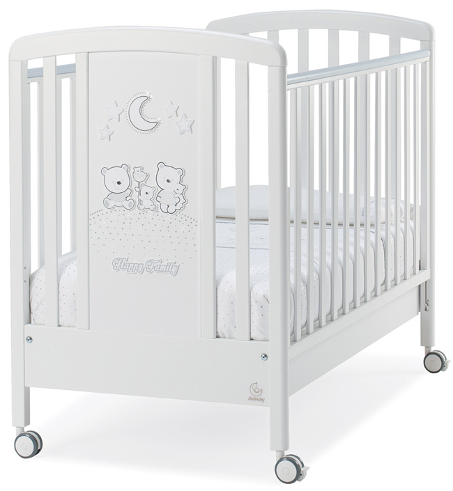 Кровать Italbaby Happy Family 131х80 смКровати<br>070,0700-0005 Детская кровать HAPPY FAMILY Strass белый<br><br>Цвет: Белый/стразы<br>Габариты ( В х Ш х Д ), см: 111х80х131