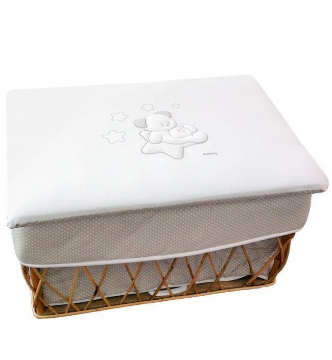 Плетеный ящик для игрушек Italbaby Sweet StarИгровая мебель, качалки, беговелы<br>Ящик для игрушек Sweet Star, крем<br><br>Цвет: Крем<br>Габариты ( В х Ш х Д ), см: 50 x 45 x 70